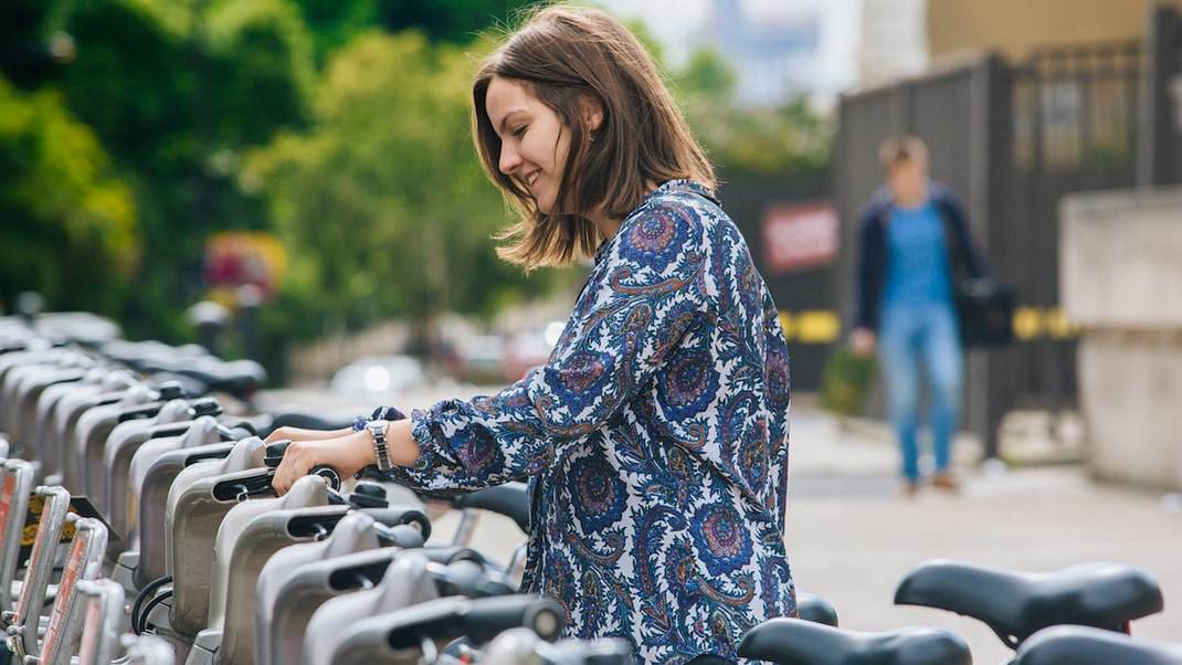 Student using a London bike